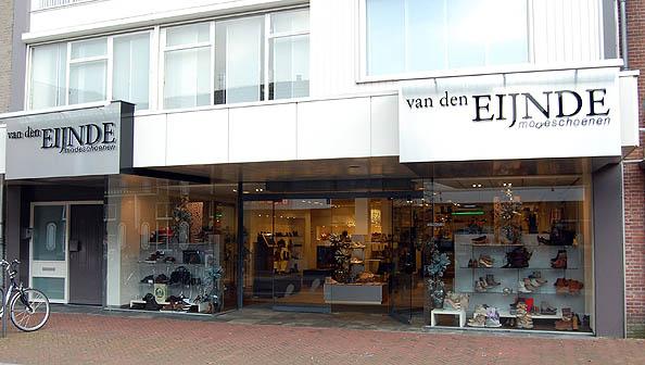 Foto pand Van den Eijnde Modeschoenen